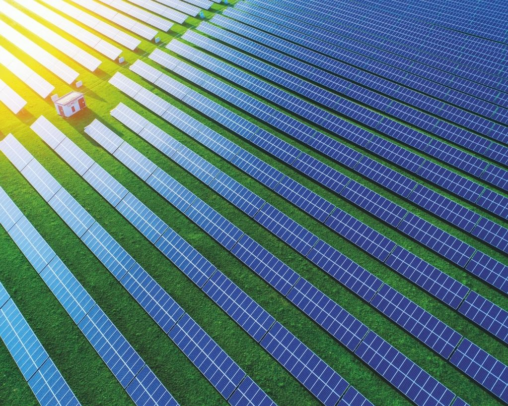 aes holding fotovoltaico